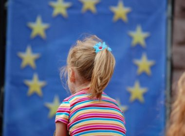 obraz dla wpisu: Komisja rozpoczyna dyskusję o przyszłości Europejskiego Filaru Praw Socjalnych